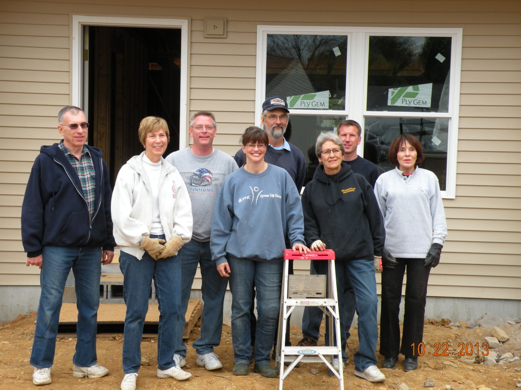 L-R  Dallas, Susie, Mark, Ellen, Jim, Mary, Bill, Anna Mae